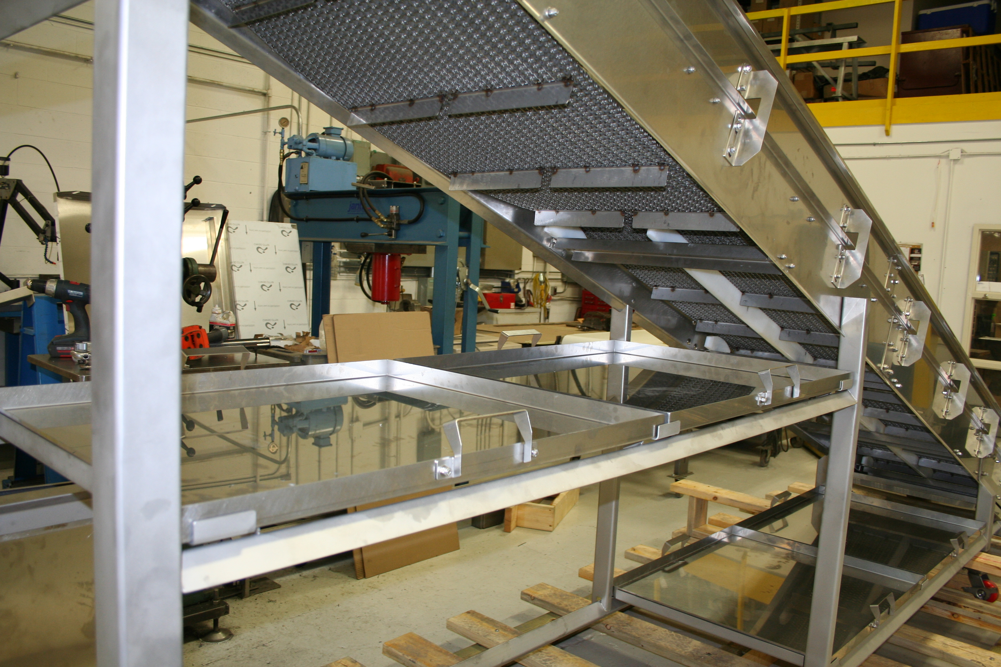 Wire Belt Conveyors | food industry conveyors | meets USDA and CFIA